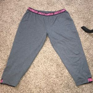 Under Armour cropped tights